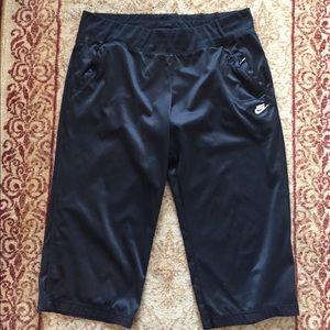 Nike cropped athletic pants